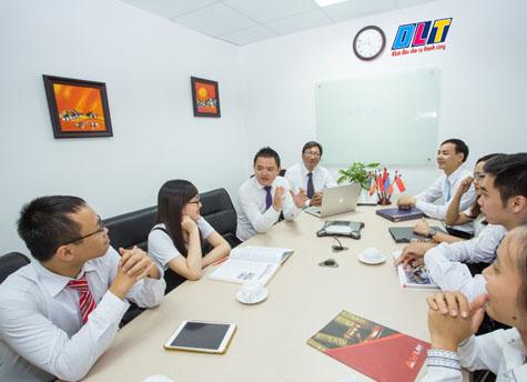 Đội ngũ nhân viên kế toán Tân Thuế Việt